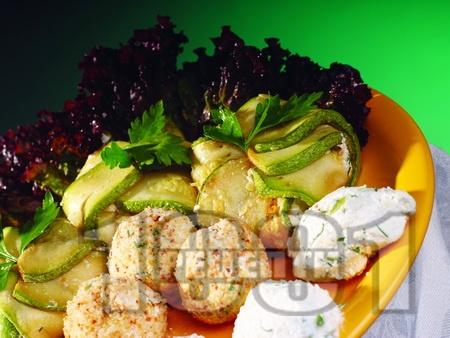 Постни сарми от тиквички с извара, сметана и сирене - снимка на рецептата